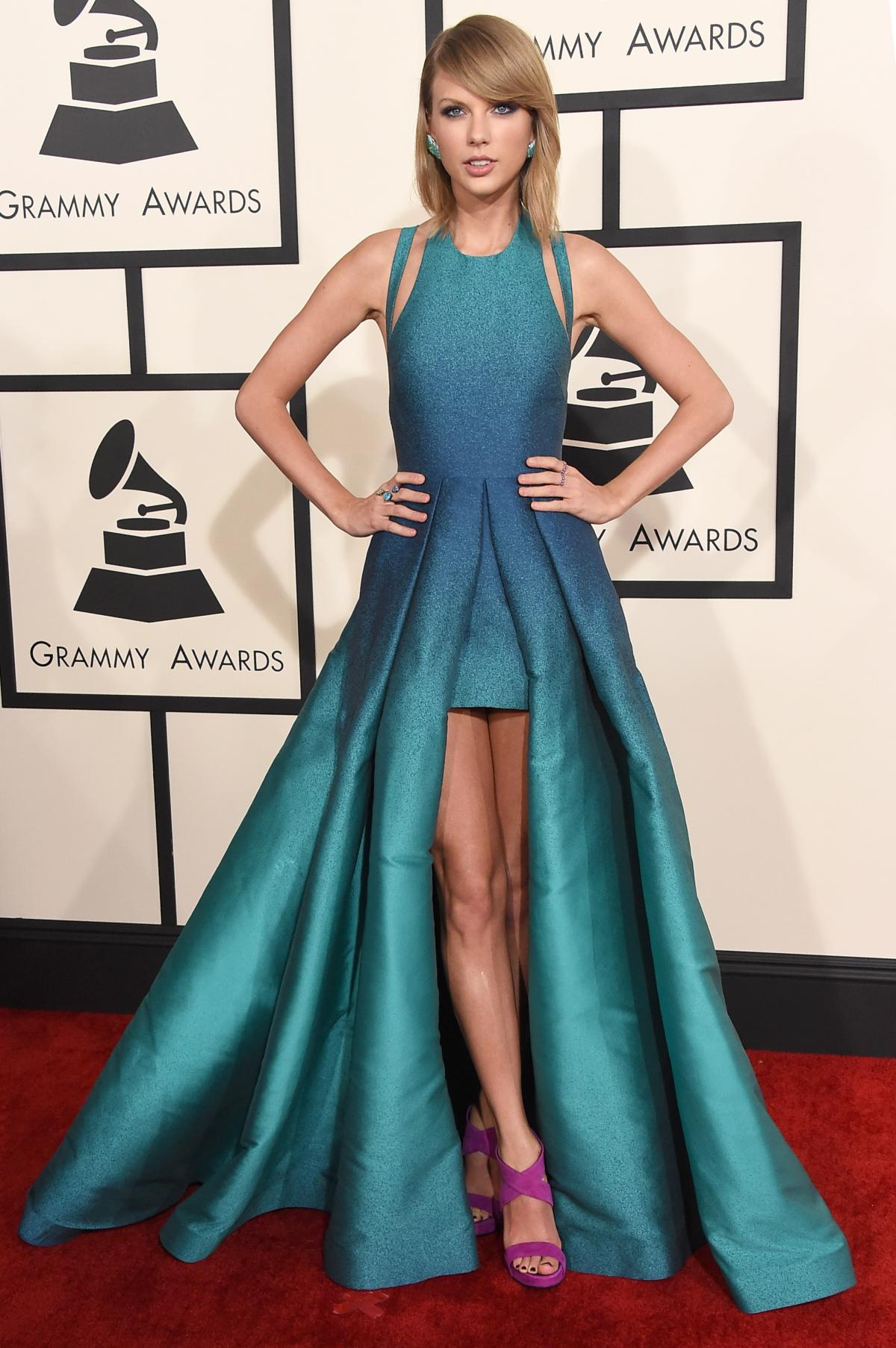 taylor-swift in elie saab