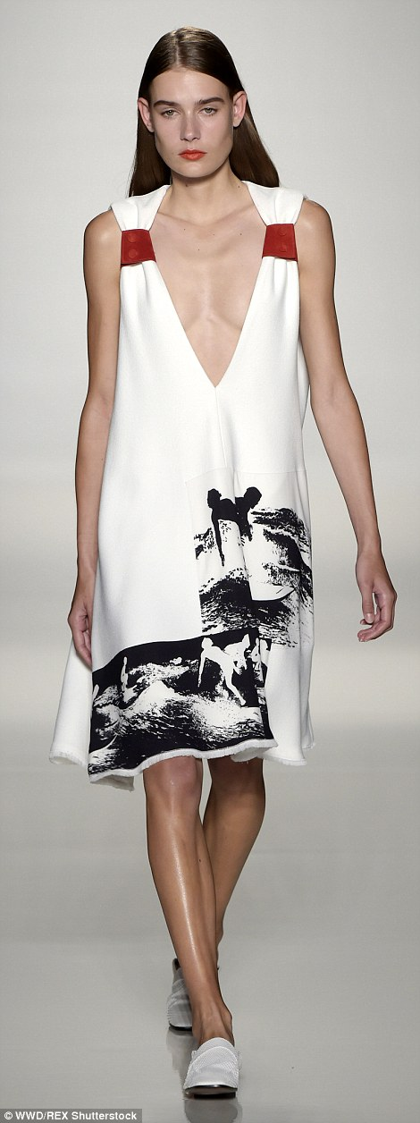 2C44F03400000578-3232855-The_clash_The_Spring_Summer_range_mixed_black_and_white_prints_w-a-10_1442189464028