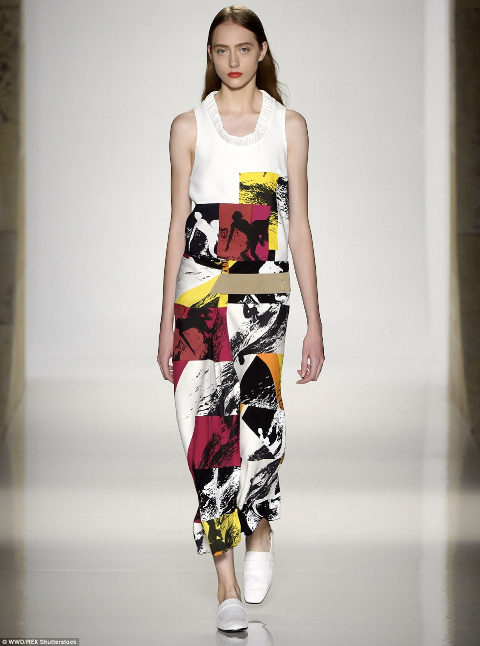 2C44F58D00000578-3232855-Take_a_bow_The_British_designer_debuted_her_Spring_Summer_2016_c-a-1_1442189463379