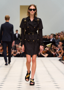 Burberry Womenswear S_S16 Collection - Look 16