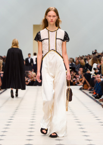 Burberry Womenswear S_S16 Collection - Look 46